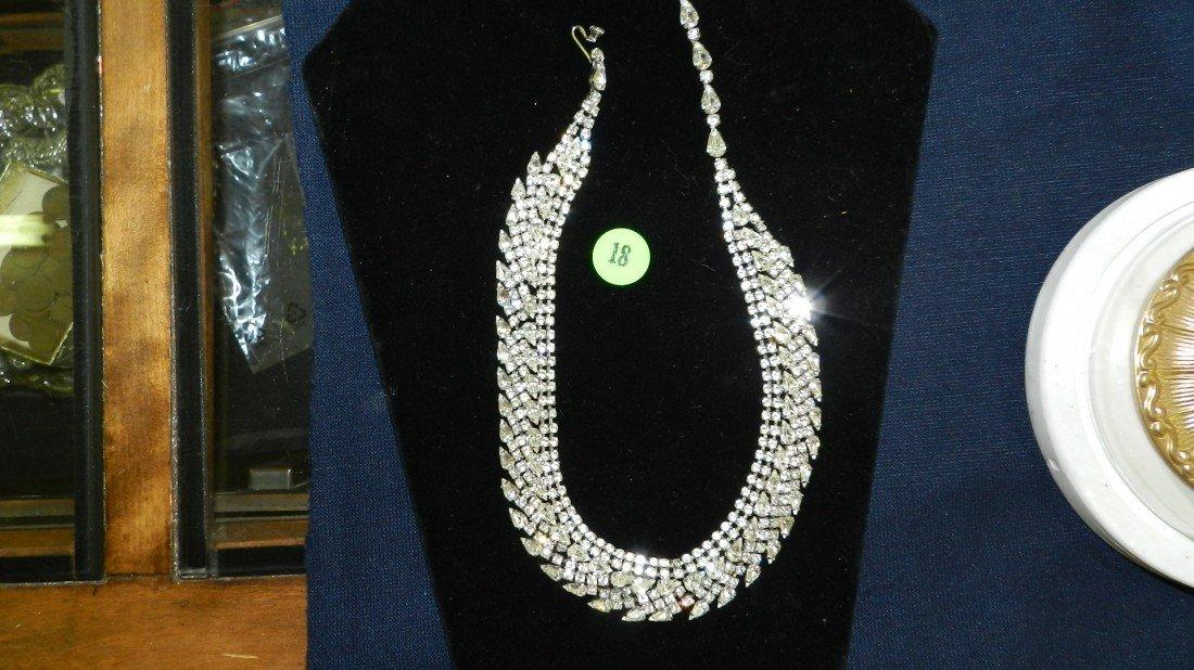 18: lovely rhinestone necklace