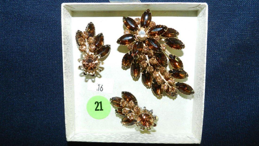 21: lovely rhinestone brooch & earring set
