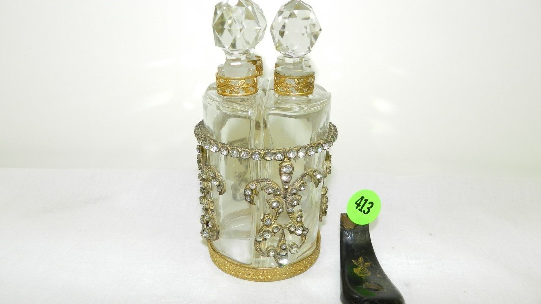 413: fancy metal four bottle dresser perfume display wi