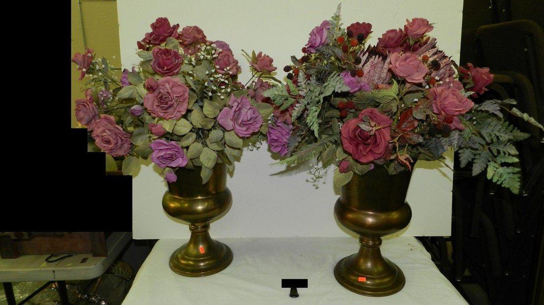 442: 2 piece large vintage brass flowers displays