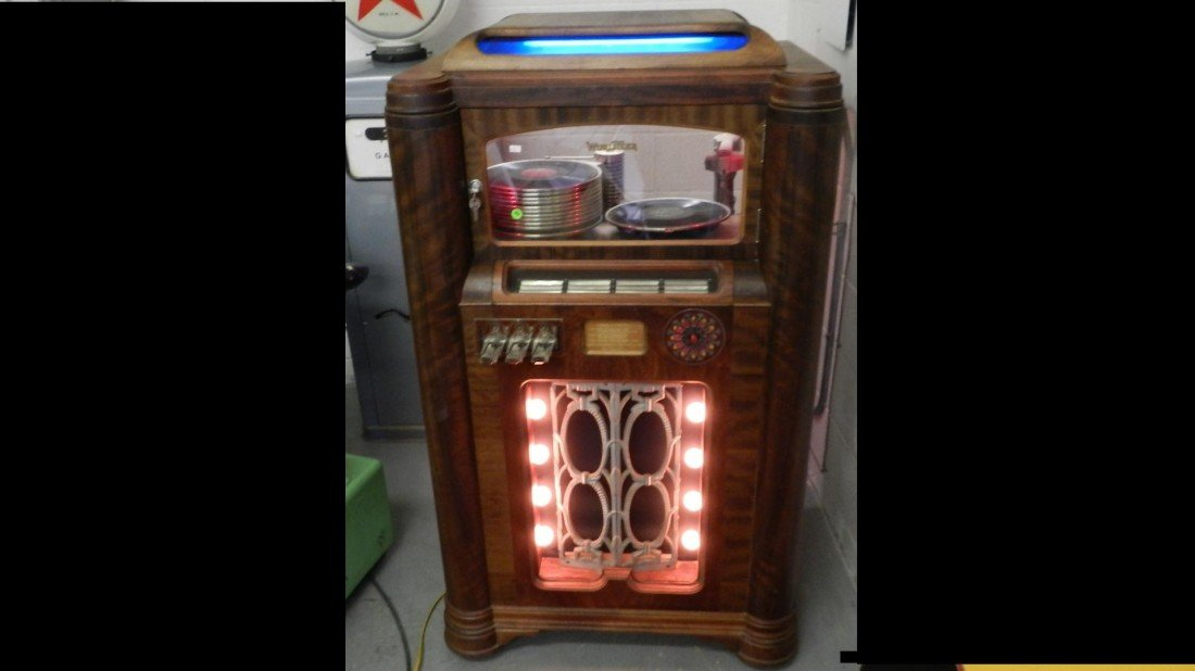 102: vintage wurlitzer jukebox model 412 c. 1936 wood c
