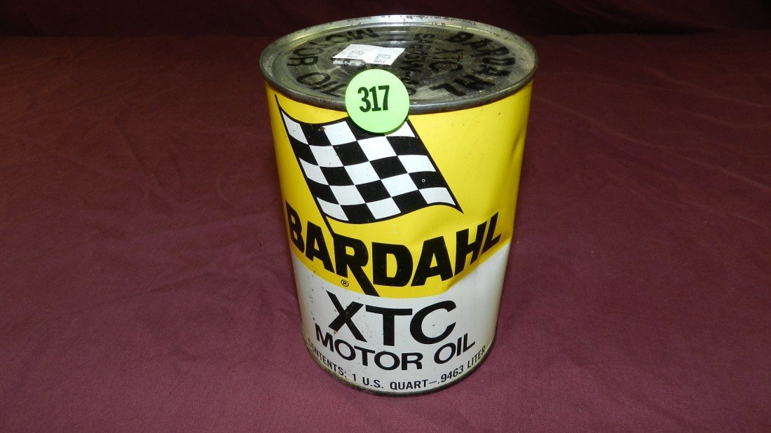 317: vintage service station collectible oil can
