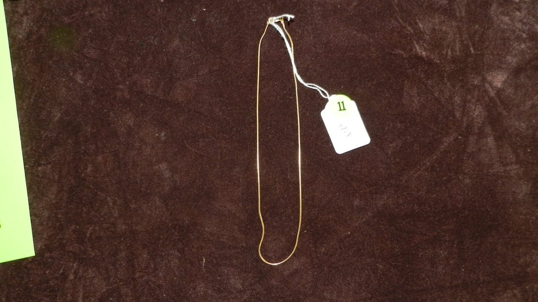 11: LOVELY LADIES GOLD NECKLACE