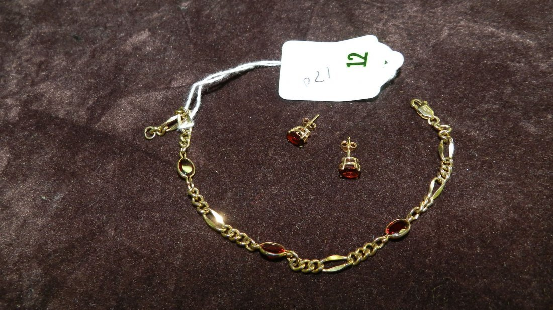 12: LOVELY LADIES GOLD AND GARNET NECKLACE & EARRINGS