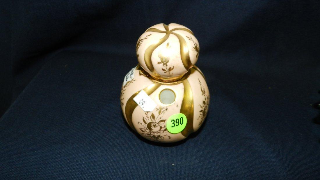 390: porcelain ink well (lid off)