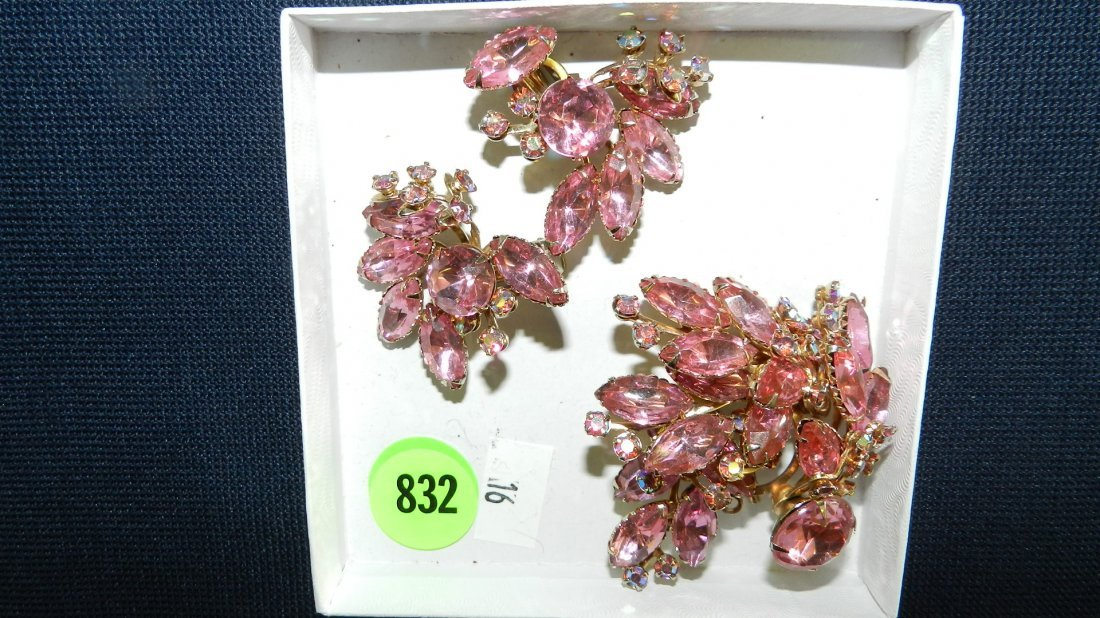 832: great collection of estate jewelry, brooch & earri