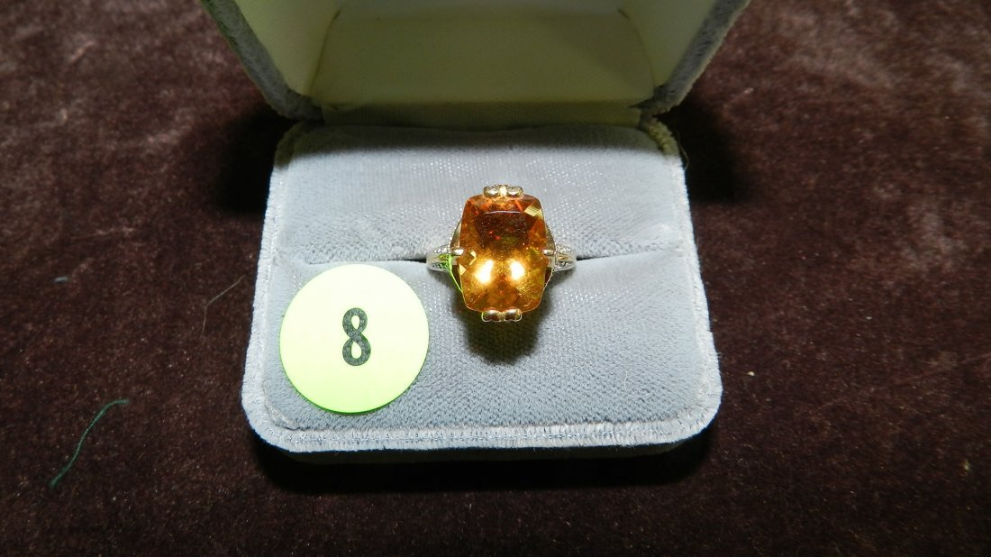 8: lovely ladies gold (14KT) and diamond ring with larg