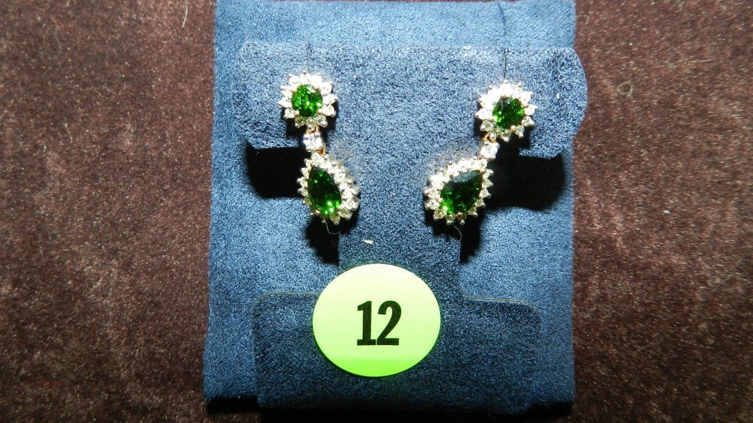 12: nice 2 piece ladies gold (10KT) and diamond earring