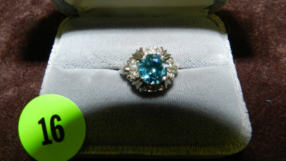 16: nice ladies white gold (18KT) and diamond ring with