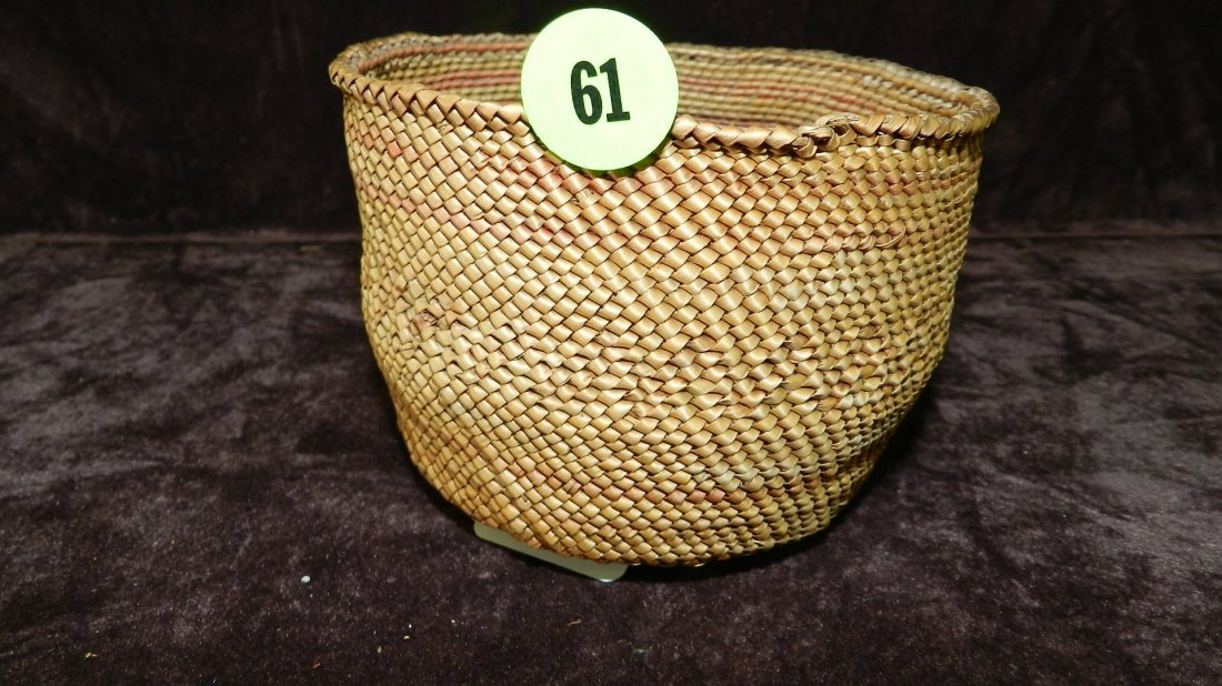 61: authentic Native American handmade woven basket / r