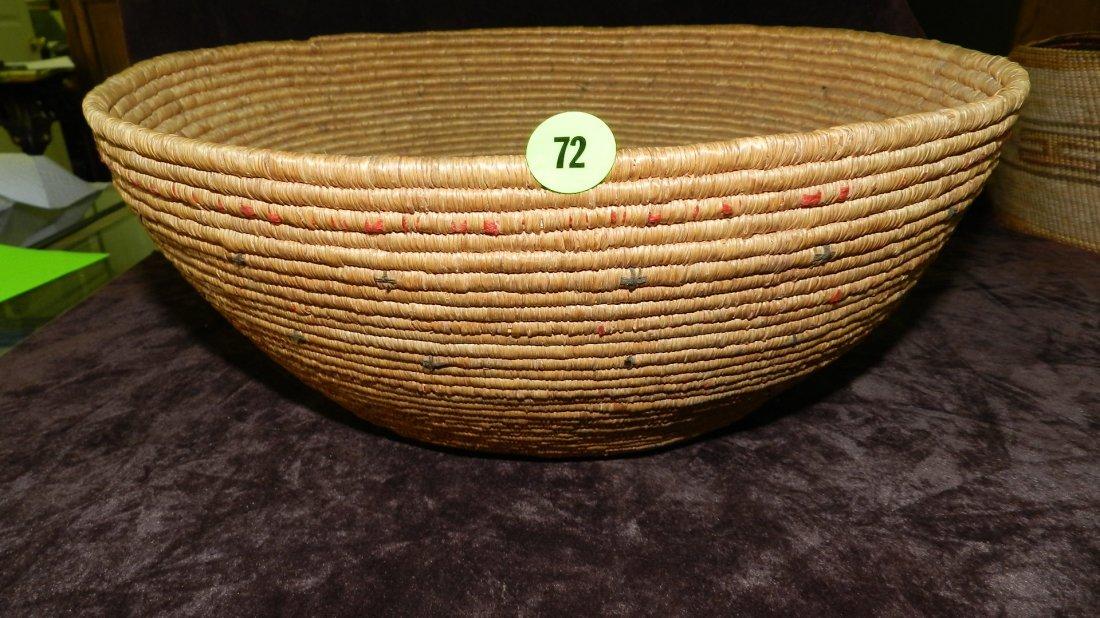 72: authentic Native American handmade woven basket, Es