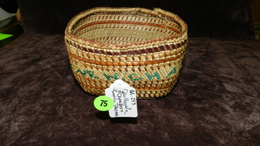 75: authentic Native American handmade woven basket, Qu