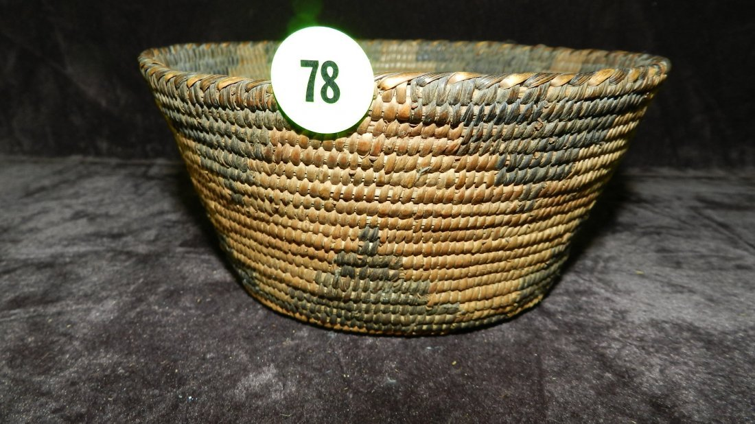 78: authentic Native American handmade woven basket, Pi