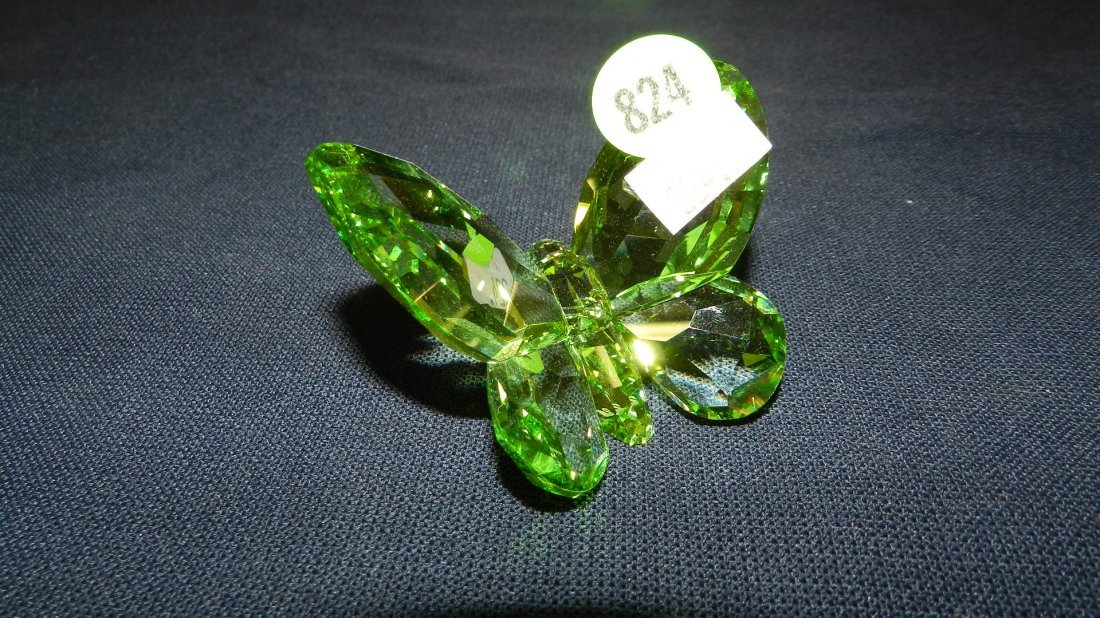 824: great stamped Swarovski crystal green butterfly fi