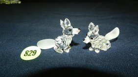 Great Stamped Swarovski Crystal 2 Piece Foxes Figu