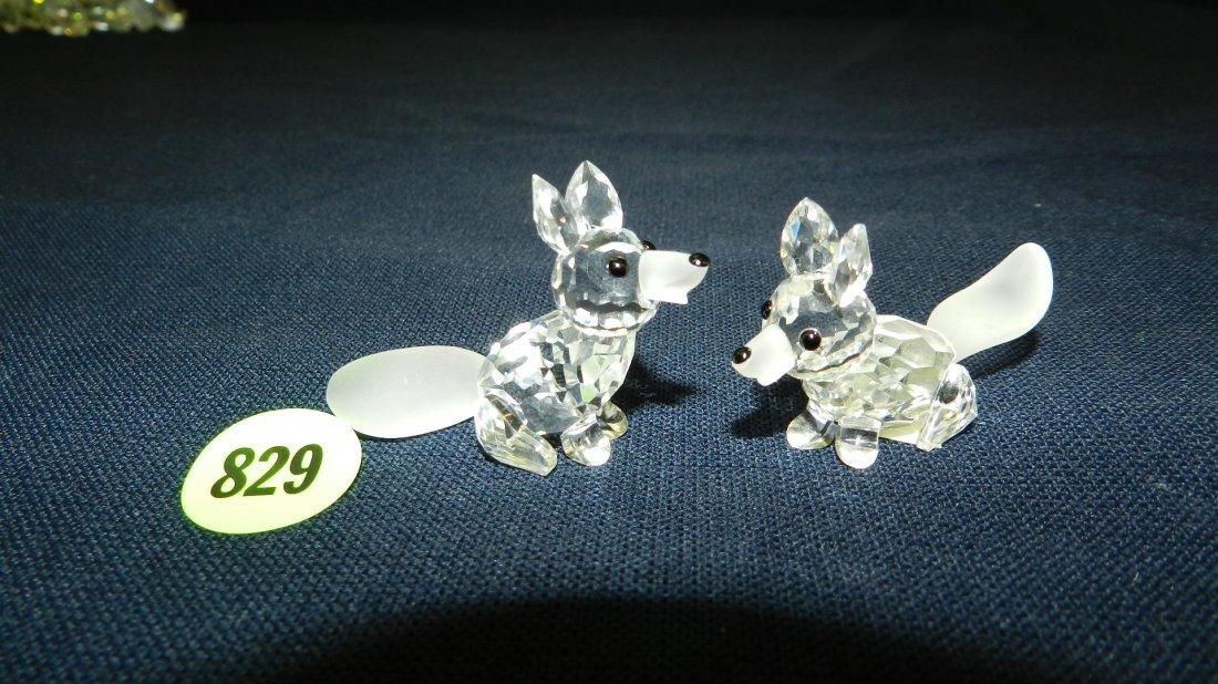 829: great stamped Swarovski crystal 2 piece foxes figu