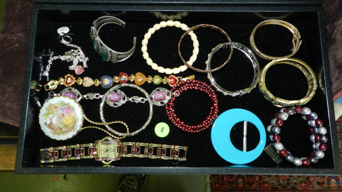 4: tray of fancy estate jewelry (most unworn) no tray
