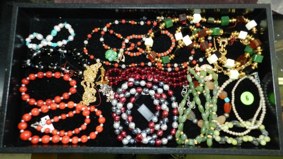 6: tray of fancy estate jewelry (most unworn) no tray