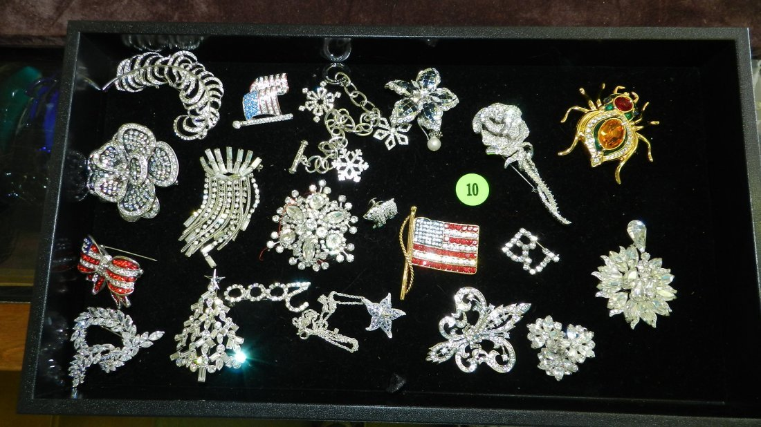 10: tray of fancy estate jewelry (most unworn) no tray
