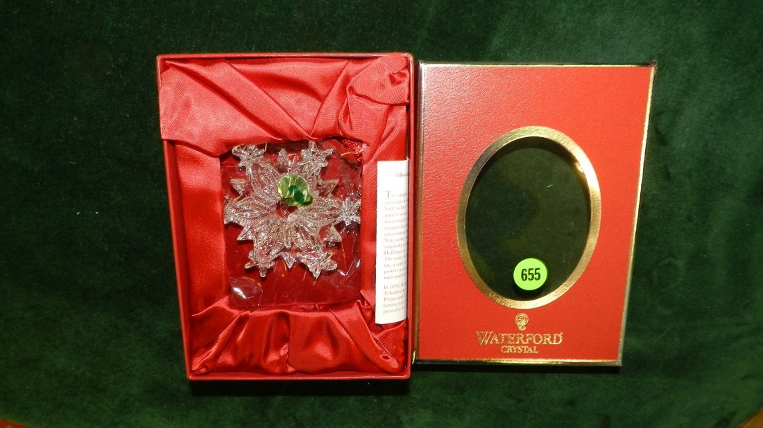 655: nice Waterford Christmas ornament in box