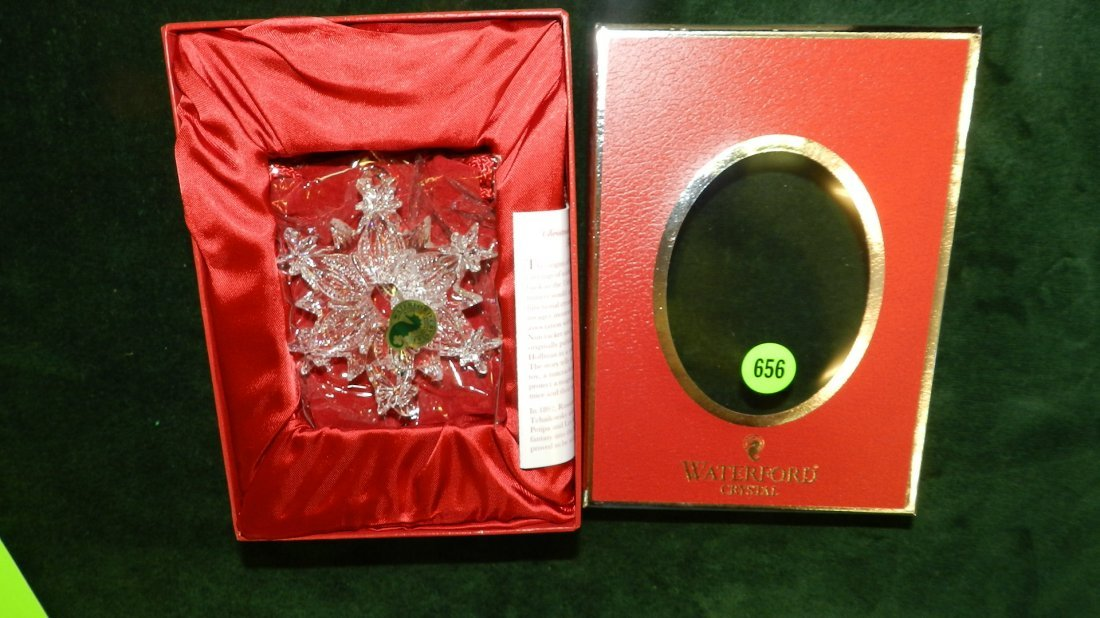 656: nice Waterford Christmas ornament in box