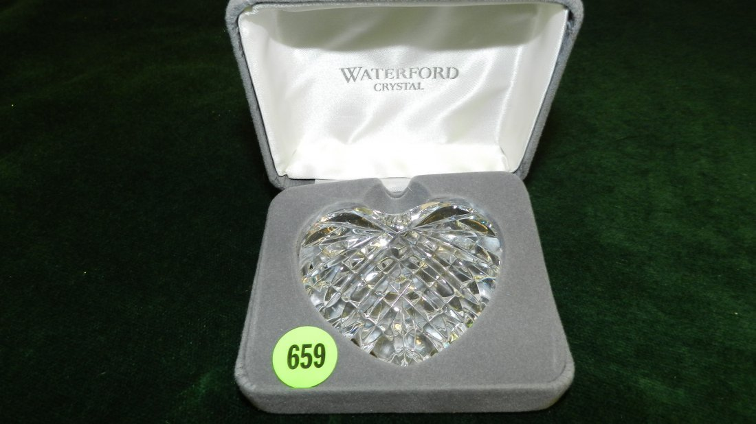 659: nice Waterford heart paper weight in box