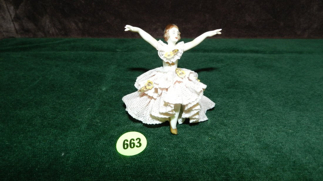 663: great vintage porcelain lace Dresden figure, very