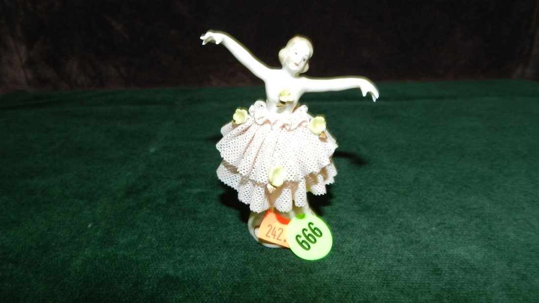 666: great vintage porcelain lace Dresden figure, very