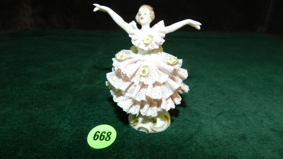 668: great vintage porcelain lace Dresden figure, very