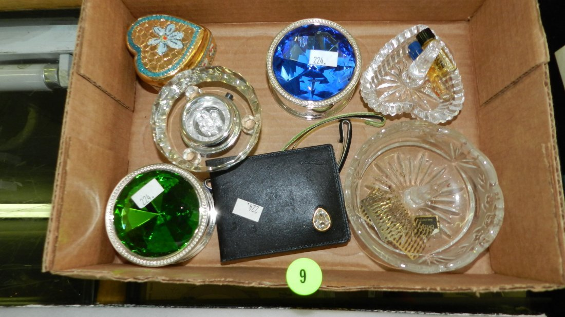 9: nice tray of estate jewelry boxes / ring holders (no