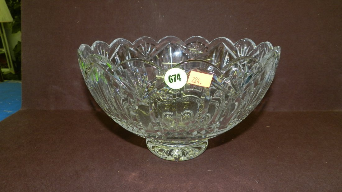 674: large marked Waterford crystal bowl