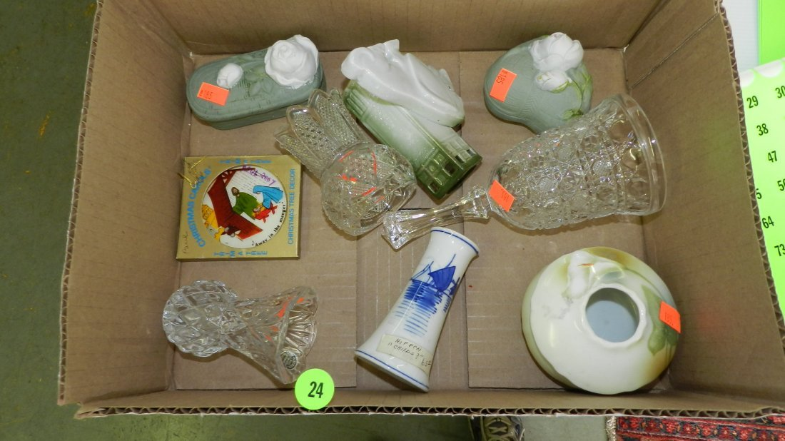 24: box of collectibles, glassware