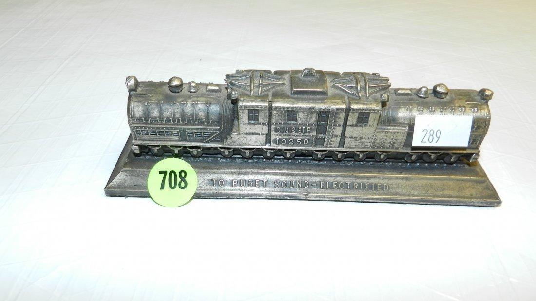 708: metal train paperweight