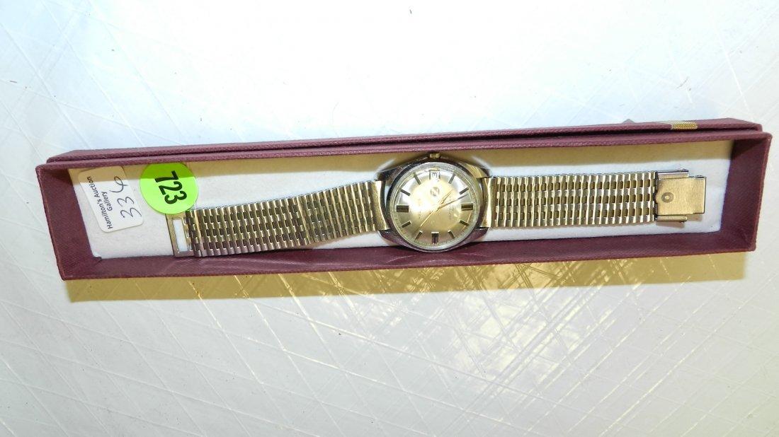 723: vintage men's wrist watch