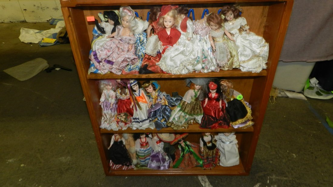 351: collection of story book dolls in case SSR for the