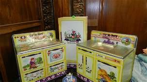 689 vintage childs tin toy Little Bo Peep kitchen set