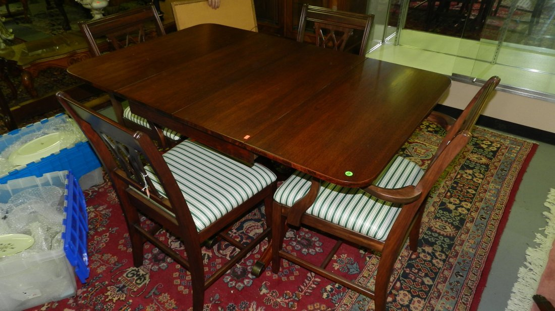939: wonderful condition mahogany dining set with table