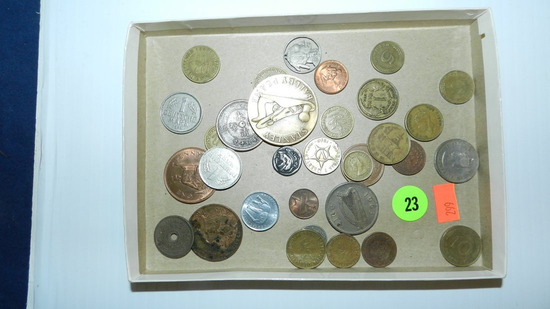 23: tray with foreign coins ect