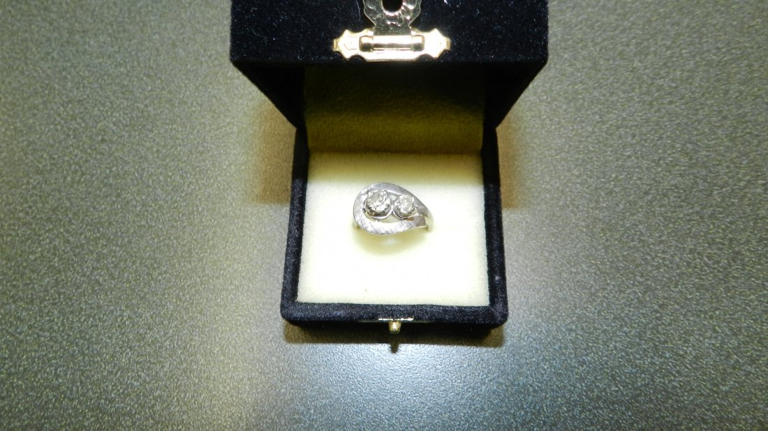 9A: stunning ladies 14KT white gold double diamond ring