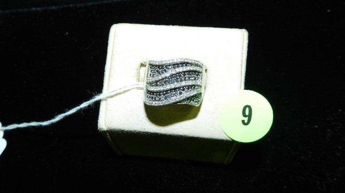 beautiful ladies Black & White Diamond Ring set in 14KT