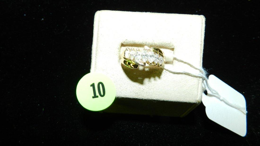 wonderful ladies Grauated Marquise diamond Ring set in