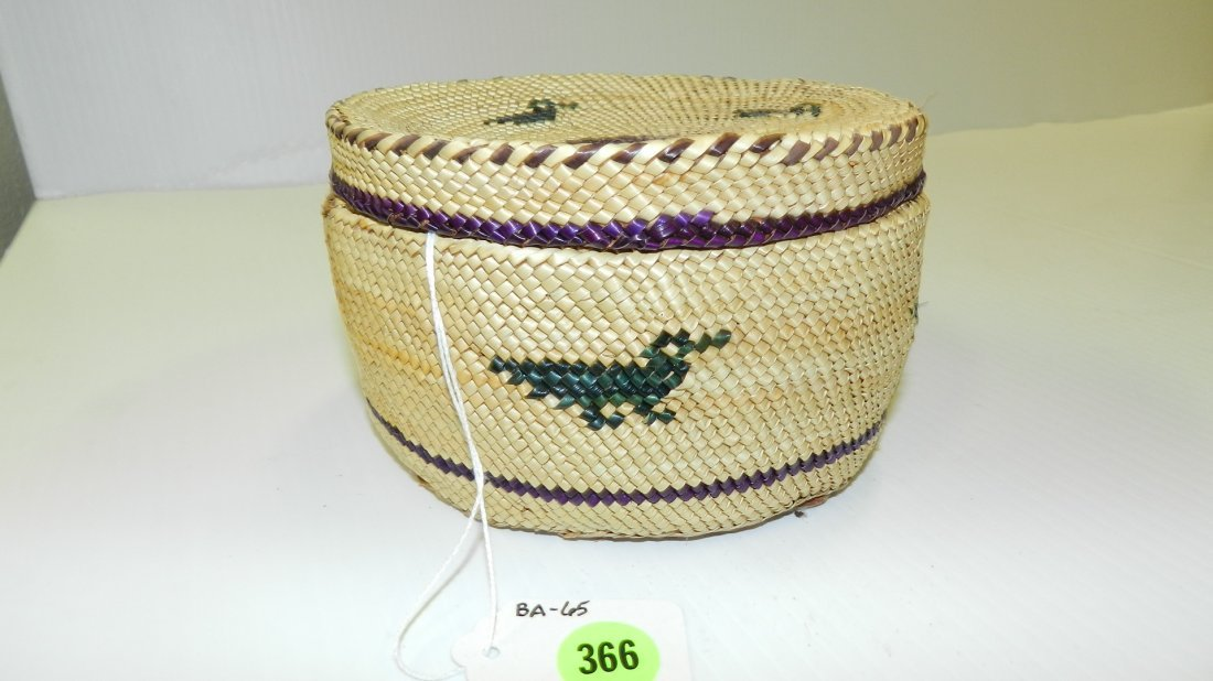 authentic / vintage Native American hand woven basket,