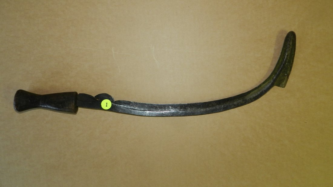 10,303) Unique African Binja knife with curved blade