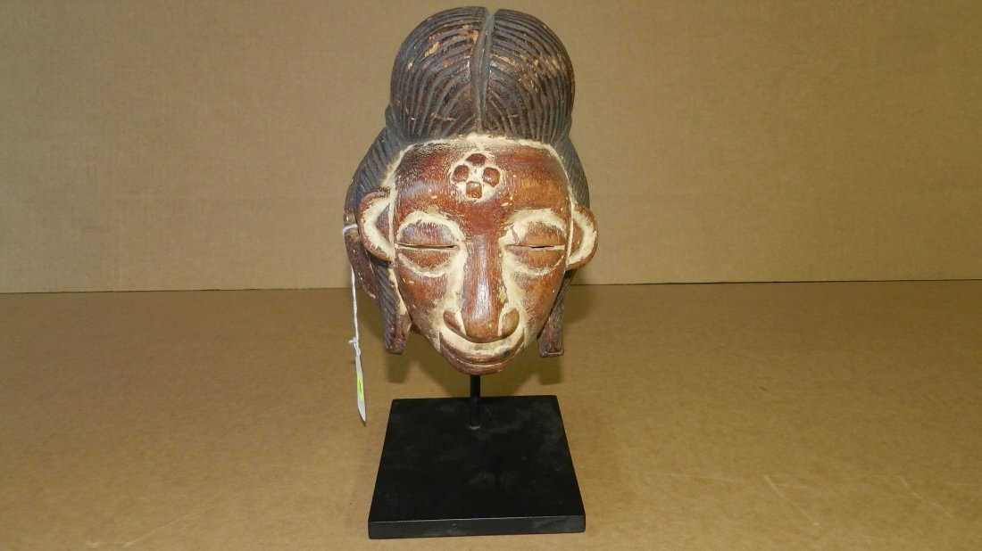 5306) nice small hand carved West African mask young