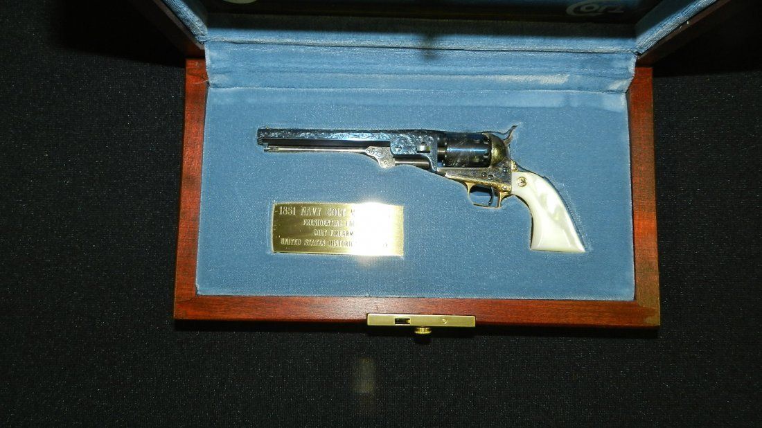 amazing Colt 1851 Navy revolver by US historical