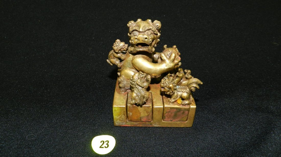Antique multi bronze Foo lion seal / stamp with 5 small