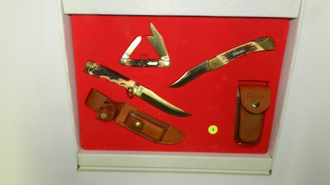 nice Schrade trio knife set in box, unused