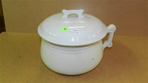 41) Thunder mug with lid, Homer Laughlin, COND VG