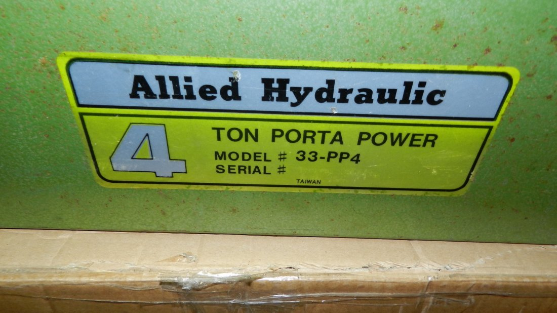 Allied Hydraulic 4 ton porta power model # 33-PP4 in - 2
