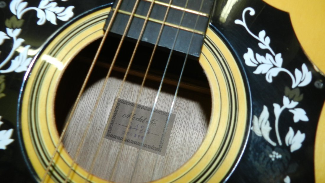 lovely Acoustic guitar by Montclair G 425, cond VG, no - 4